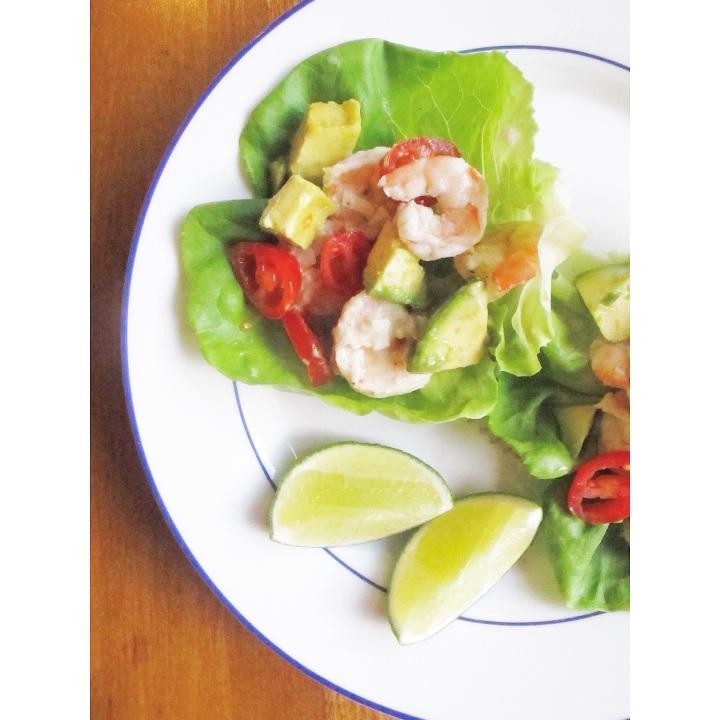 Garlic and lime shrimp lettucetacos