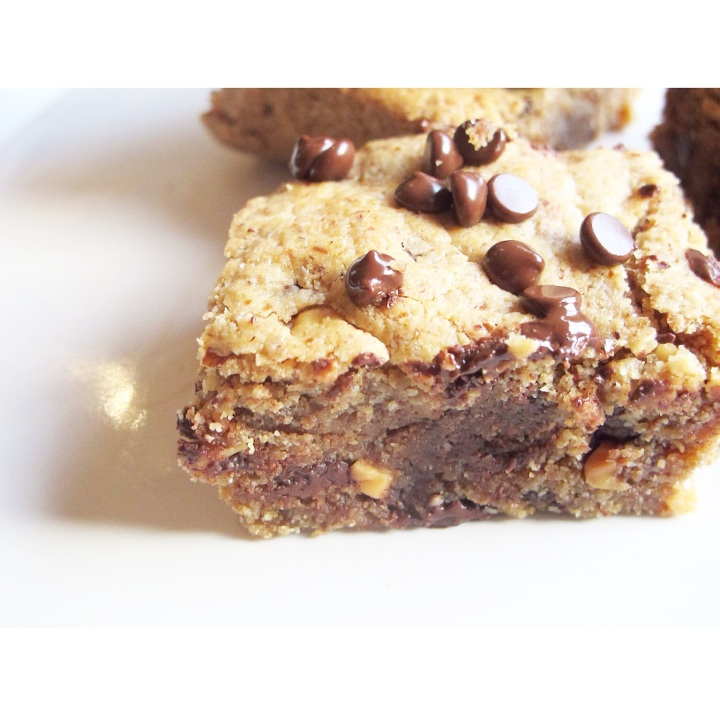 Grain free peanut butter chocolate chip bars
