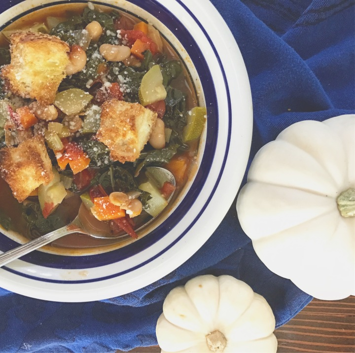 Veggie soup with homemade Parmesancroutons